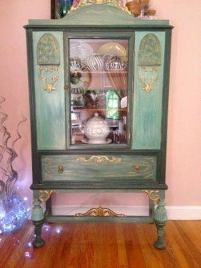 Antique China Cabis And Hutches Image Shower