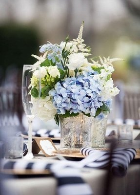 Artificial floral centerpieces for tables