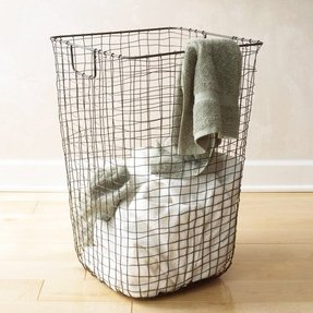 Metal laundry hamper 1