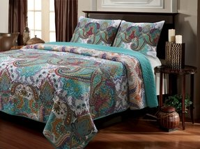 Quilted nirvana quilt set