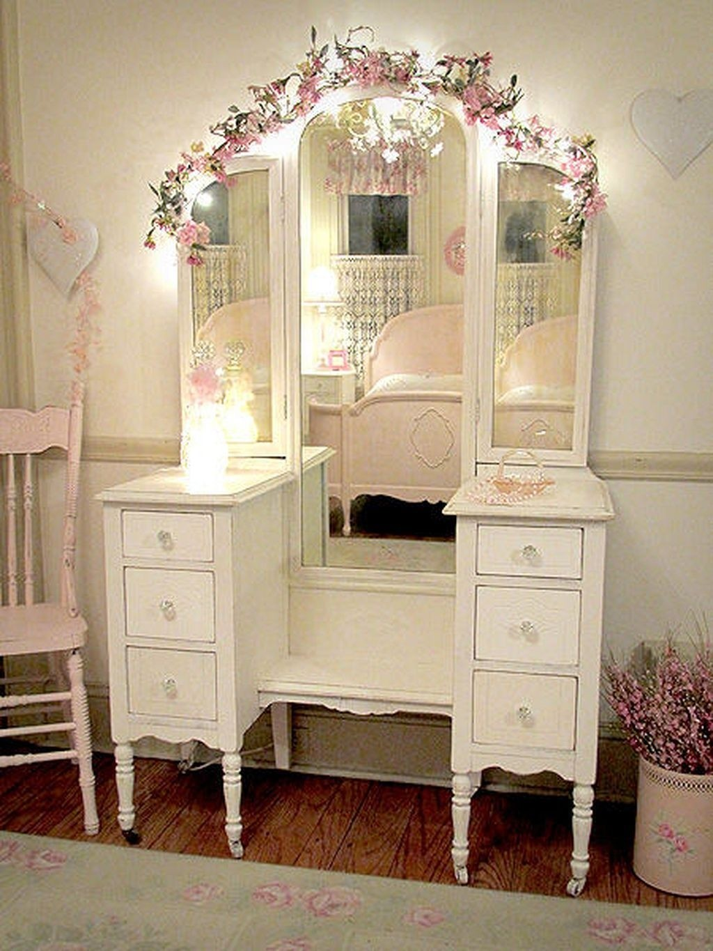 Bedroom Vanity With Lights