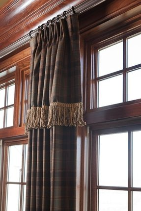 D With Attached Valance