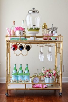Glass serving cart