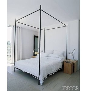 Black four poster bed 7