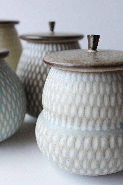 Attirant Ceramic Storage Jars 21