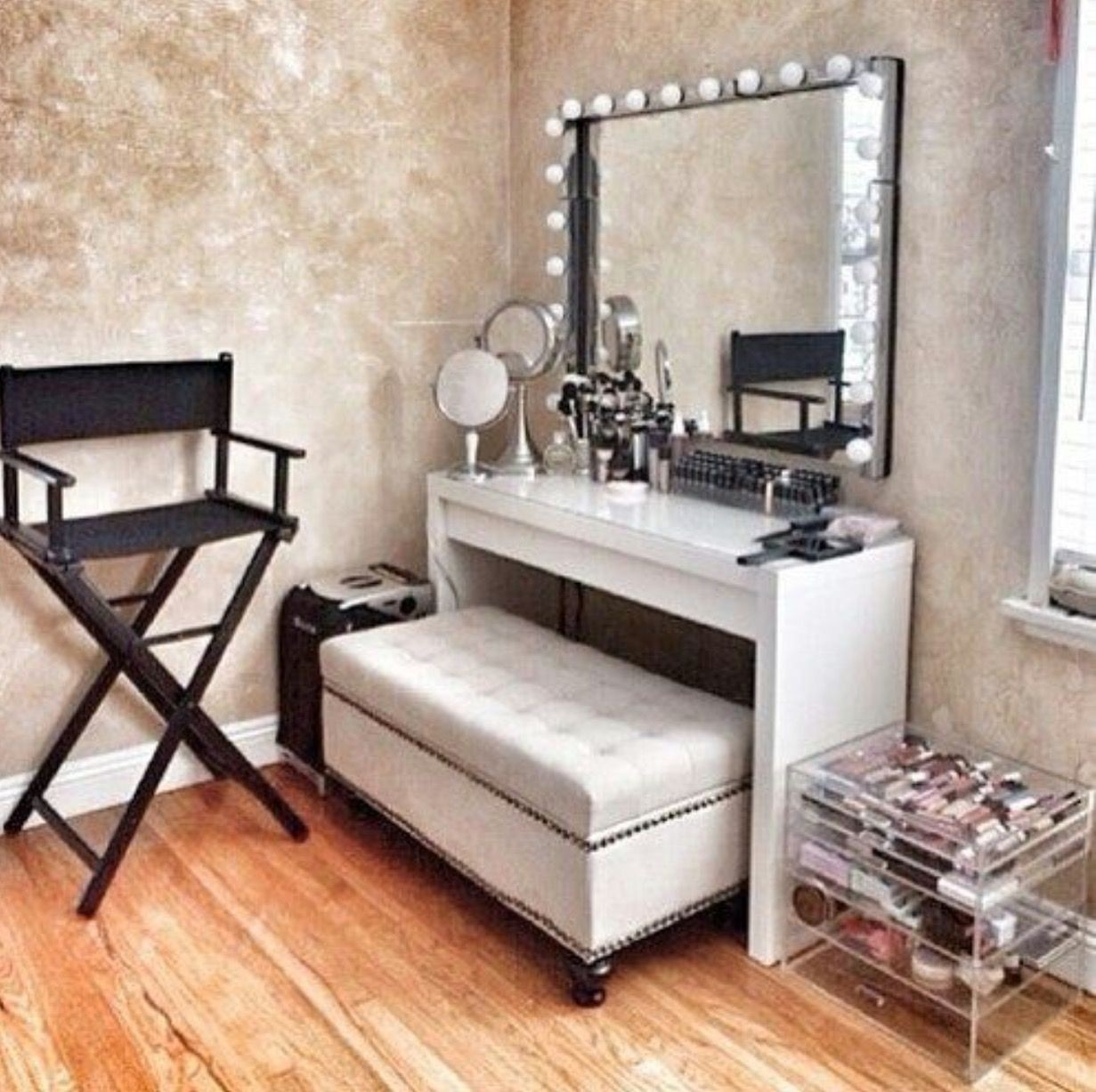 Beau Modern Makeup Vanity Table