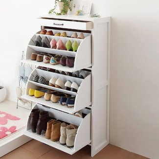 Narrow shoe rack