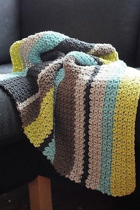 Striped blankets and throws 1
