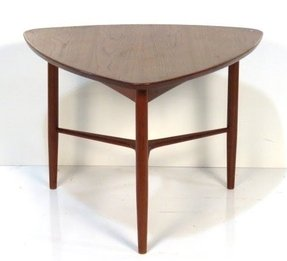 Triangular end tables 1