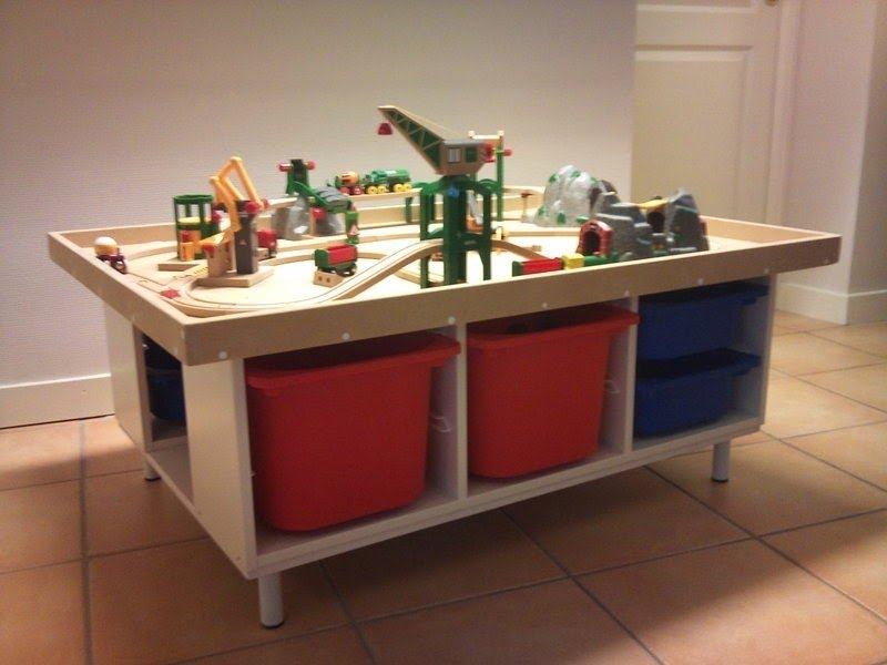 Childrens Play Table With Storage 2