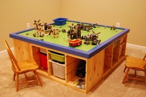 Childrens play table with storage 4