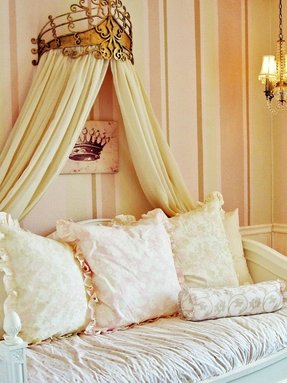 Daybed Girls Room