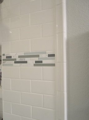 Bathroom Subway Tile With Accent Strip
