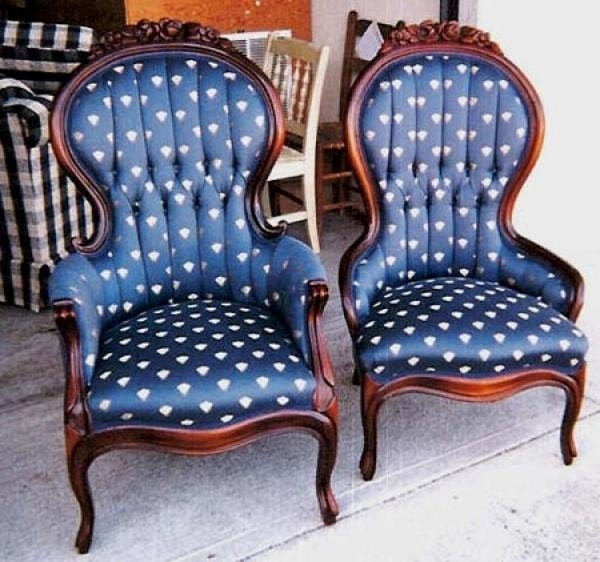 Attrayant Antique King And Queen Chairs