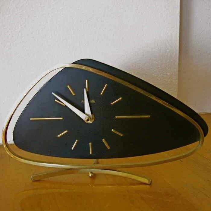 Modern contemporary mantel clocks