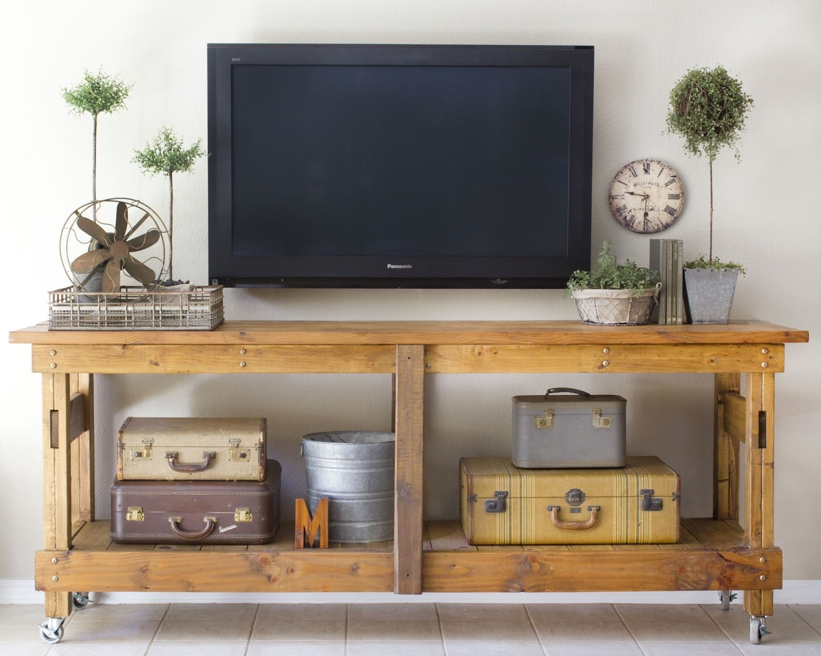 Merveilleux Refurbished Tv Stand