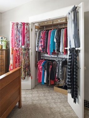 Wardrobe with hanging rod 4