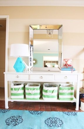 White console table with baskets 1