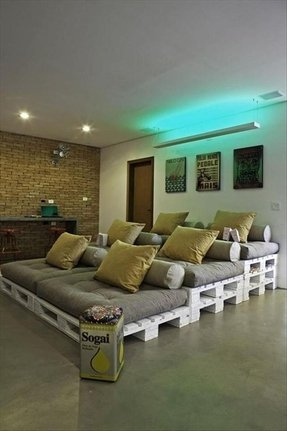 Game room seating