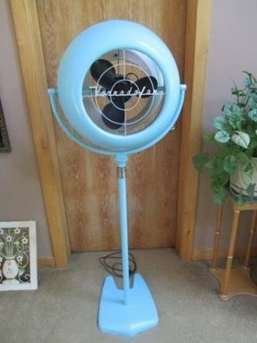 Retro Pedestal Fan Foter