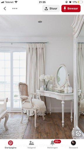 Antique White Bedroom Vanity 1