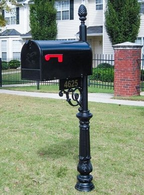Cast aluminum mailbox and post 2