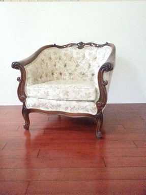 Chair victorian carved tufted back