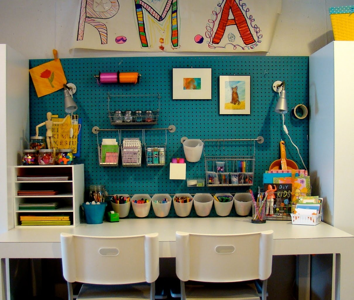Kids Art Table With Storage 4