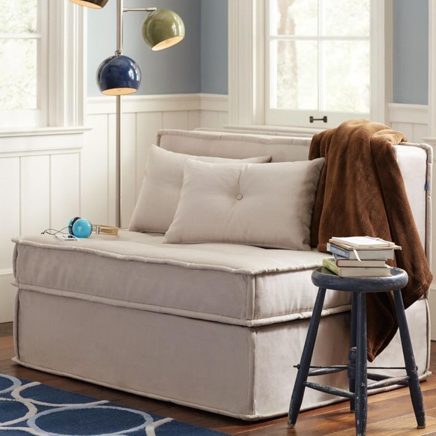 Pull out bed ottoman