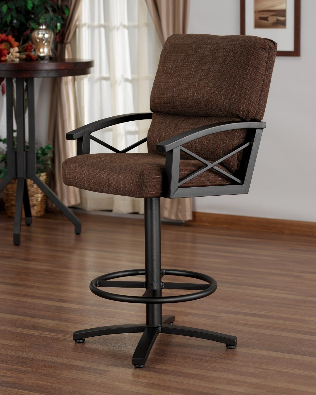 Charmant Swivel Bar Stools With Arms 1