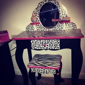 Admirable Little Girl Vanity Table Ideas On Foter Lamtechconsult Wood Chair Design Ideas Lamtechconsultcom