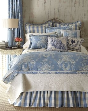 Blue and white damask bedding 1
