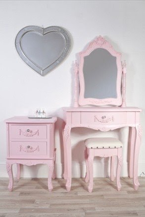 Kids dressing table 1