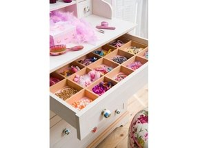 Kids dressing table 2