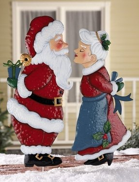 Outdoor santa claus decorations 1
