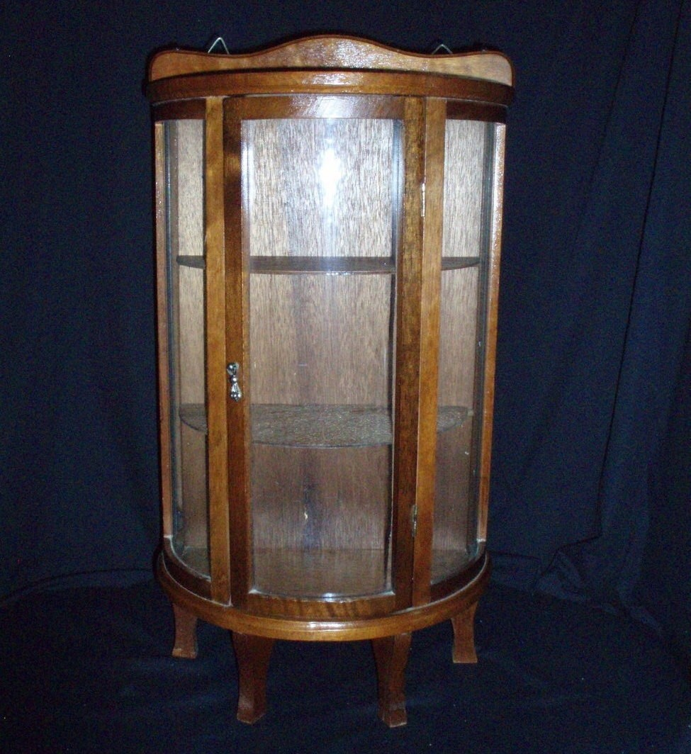 Ordinaire Antique Glass Curio Cabinet