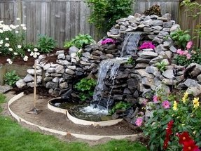 Corner waterfall fountain