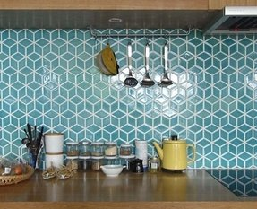 Hexagon backsplash tile
