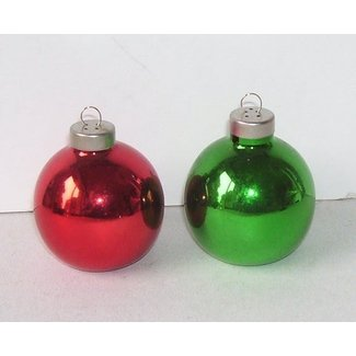 Salt and pepper shakers christmas tree
