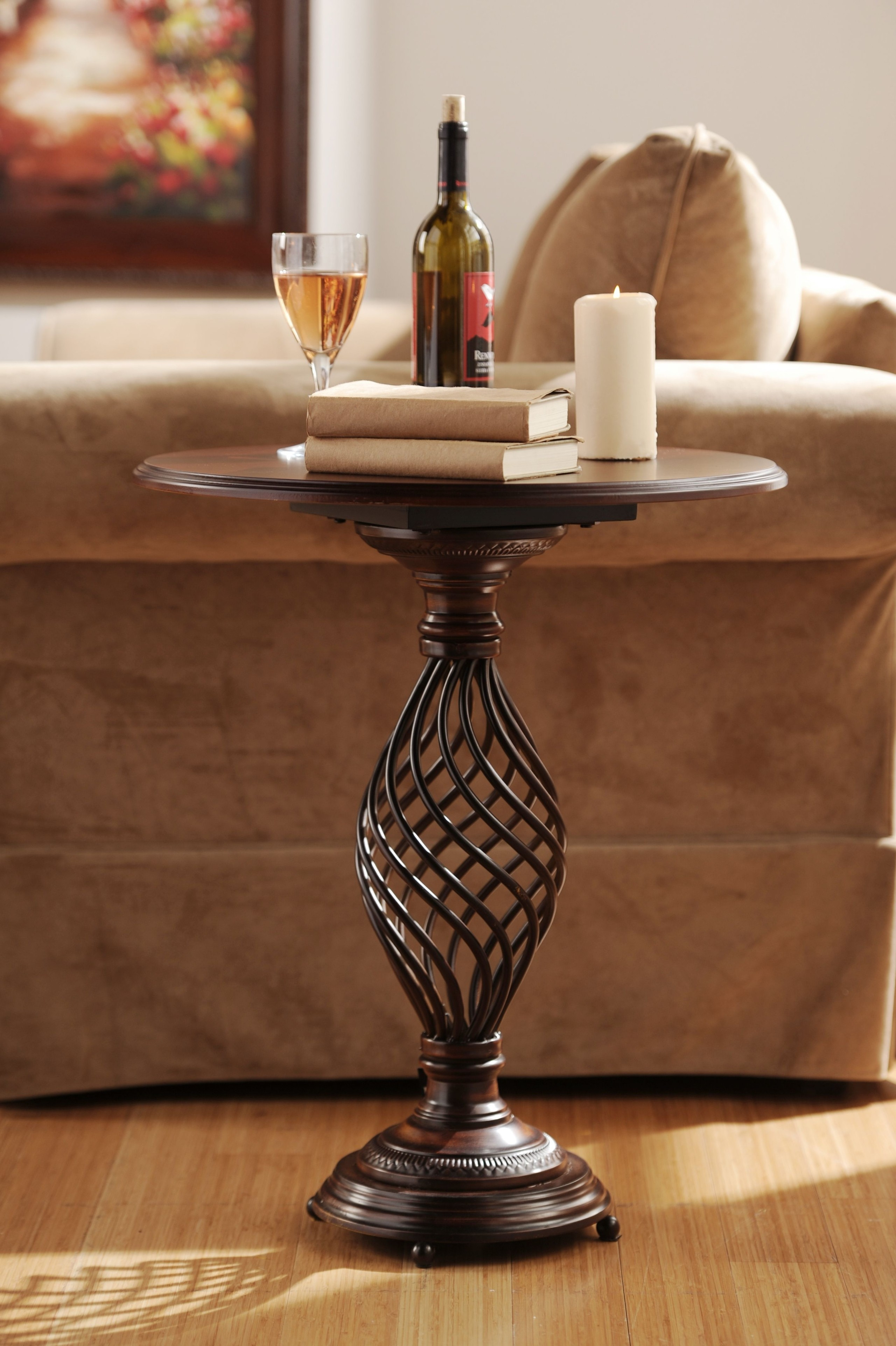 Superbe Cherry Wood Accent Table