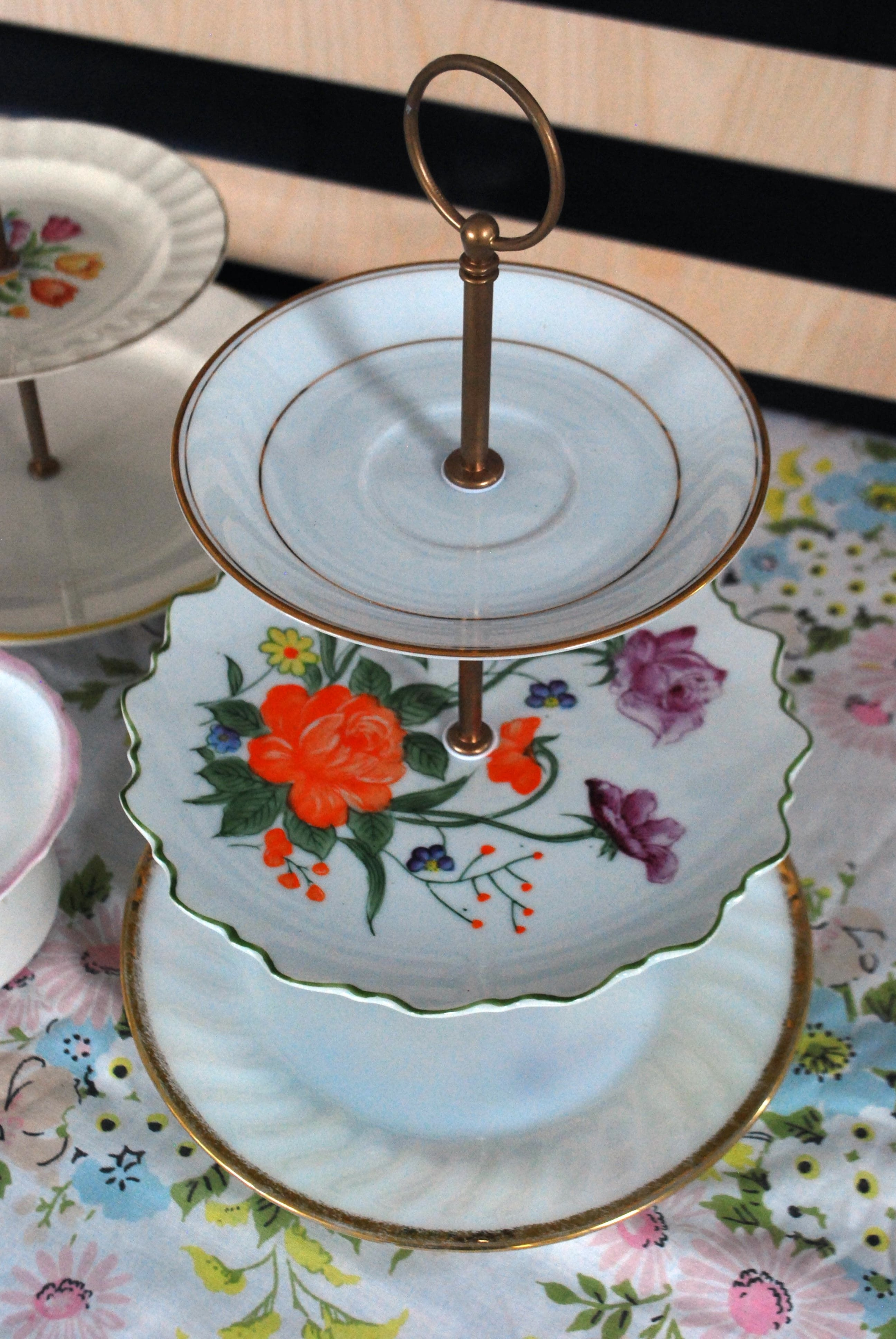 Decorative plates and stands 2 & Decorative Plates And Stands - Foter