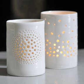 Ceramic candle stand