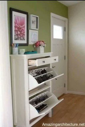 Enclosed shoe storage 7