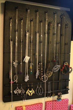 Jewelry box necklace hooks 1