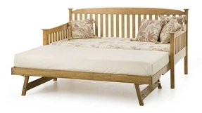 Oak daybed with trundle 1