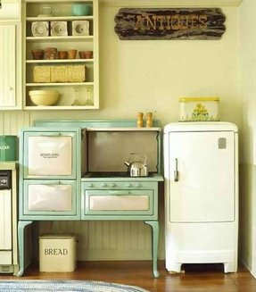 Retro mini fridge