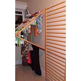 Wall clothes drying rack