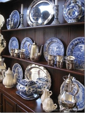 Blue decorative plates 3