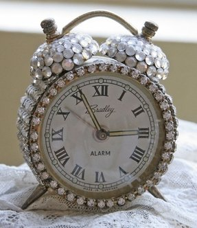 Decorative alarm clock 3