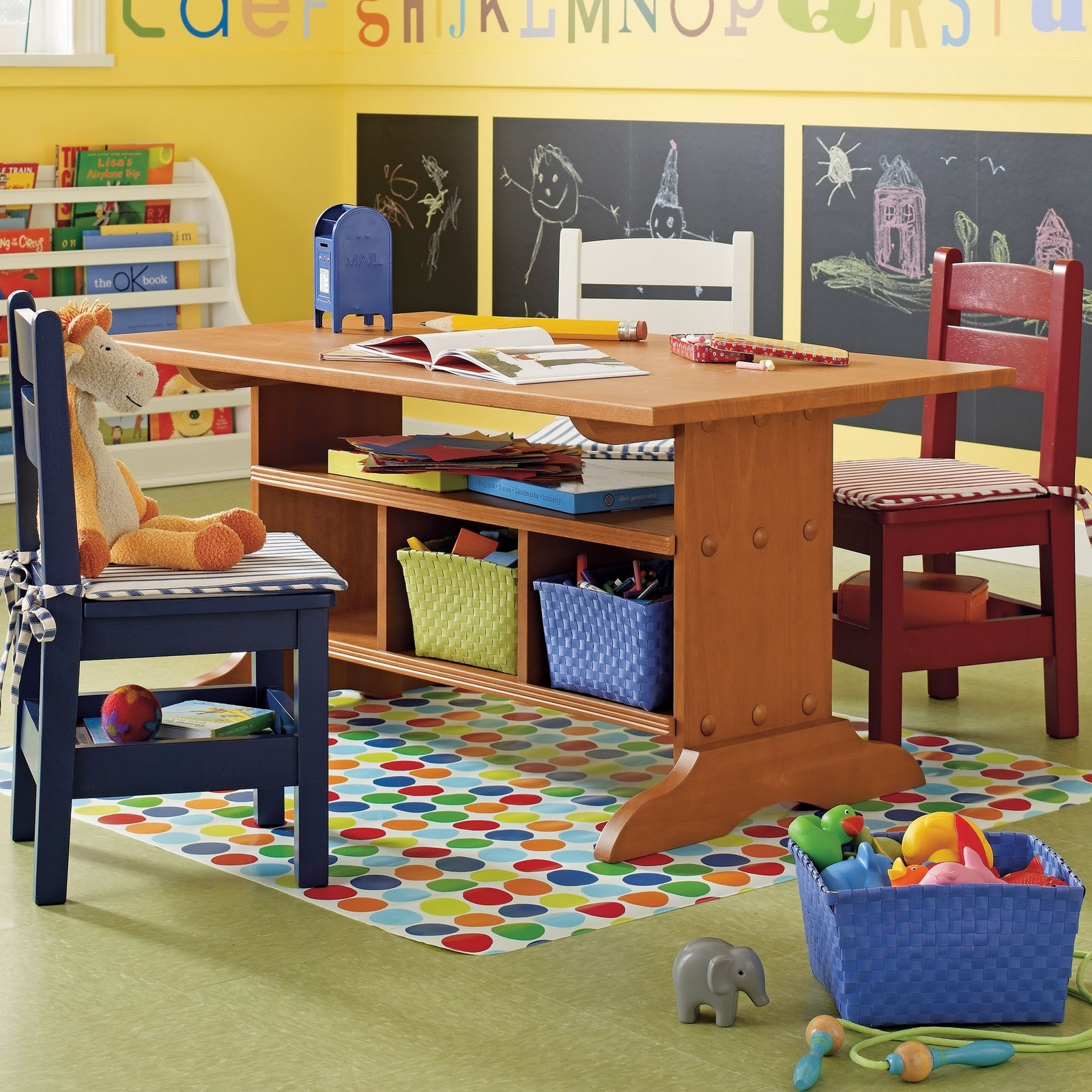 Elegant Kids Activity Table With Storage 1